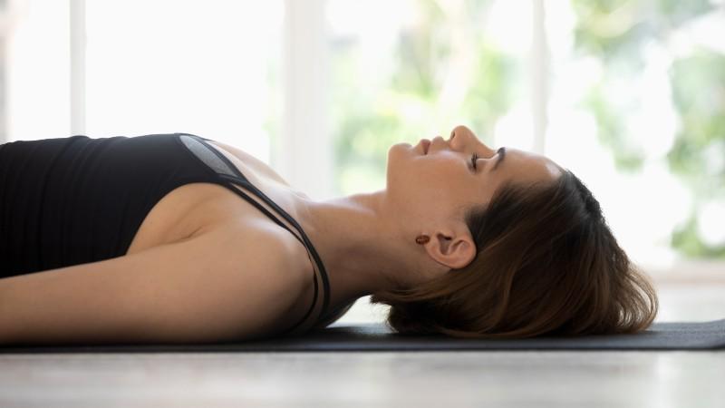 【瞑想】1回20分で快眠・疲労回復に。寝ながらできる瞑想「ヨガニードラ」